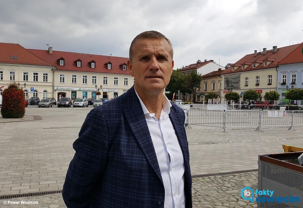 """Wczoraj premierę miała książka """"Oświęcim. Czarna zima"""". Jednym z jej bohaterów jest Zbigniew Starzec, wicewojewoda małopolski i były starosta oświęcimski."""