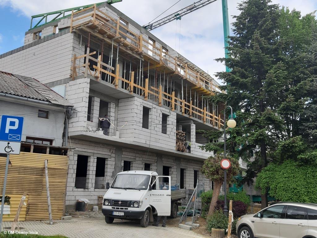 Oświęcimskie Towarzystwo Budownictwa Społecznego i miasto inwestują w odnowienie lub budowę nowych kamienic. Stare Miasto zmienia się wizerunkowo.