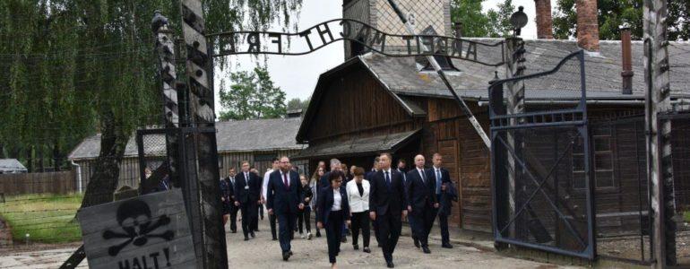 80. rocznica pierwszego transportu Polaków do Auschwitz – FILM, FOTO