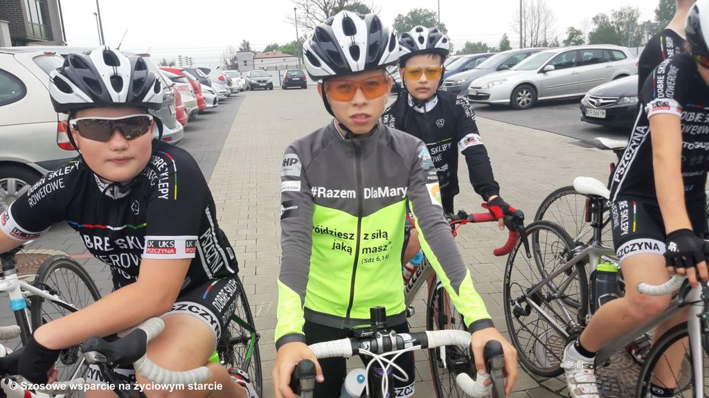 12-letni Karol Bies z ekipą wyruszył dzisiaj w 300-kilometrową trasę. Przejedzie charytatywnie dla rocznej Marysi. Do Oświęcimia dotrze w niedzielę.