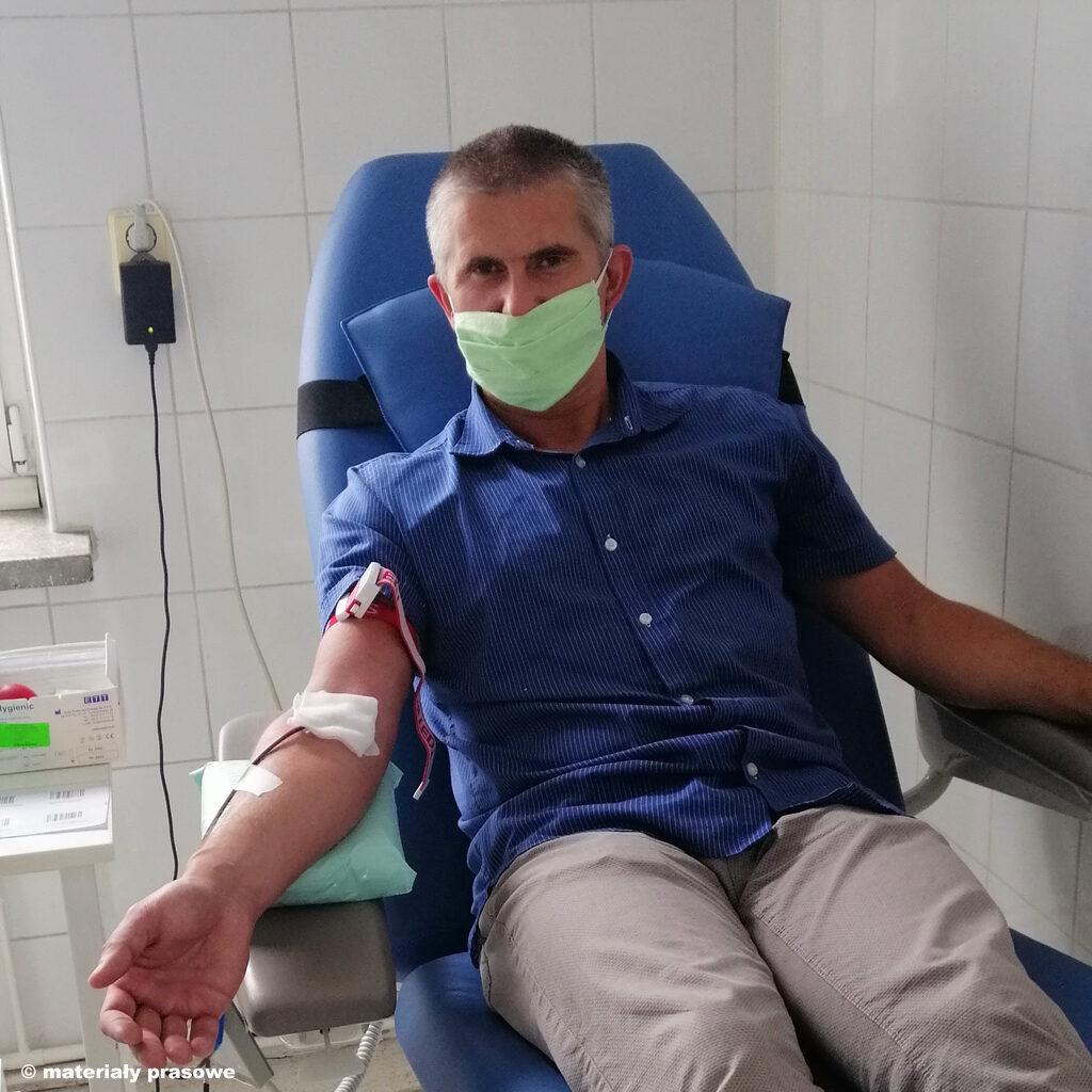 Z powodu epidemii w Oświęcimiu i całym kraju dramatycznie spadła liczba krwiodawców. Powoli wracają zaplanowane przez szpitale operacje, dlatego potrzebna jest krew.
