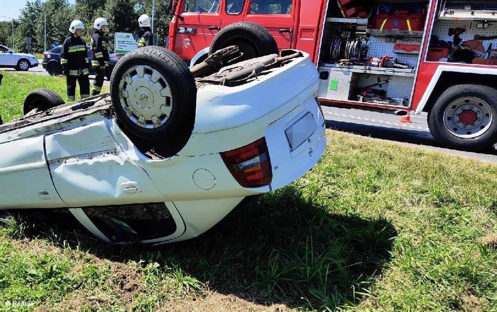 W powiecie oświęcimskim doszło do dwóch poważnie wyglądających zdarzeń drogowych. Dla jednego uczestników zakończyło się złamaniem obojczyka.