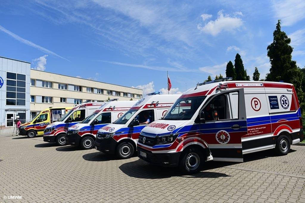 Szpital Powiatowy w Oświęcimiu wzbogacił się o nową karetkę pogotowia. Uzyskał ją dzięki Pakietowi Medycznemu Małopolskiej Tarczy Antykryzysowej.