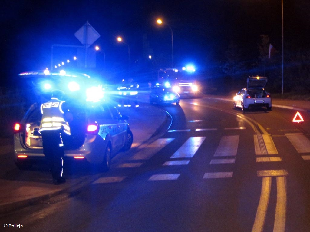 Na rowerach, skuterach i samochodami. Piją i jeżdżą. Policjanci wyeliminowali z ruchu drogowego kolejnych kierujących, którzy byli pod wpływem alkoholu.