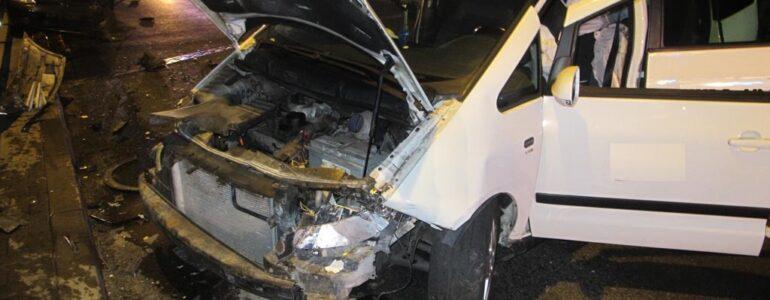 W rozbitym samochodzie trzeźwy był tylko siedmiolatek – FOTO
