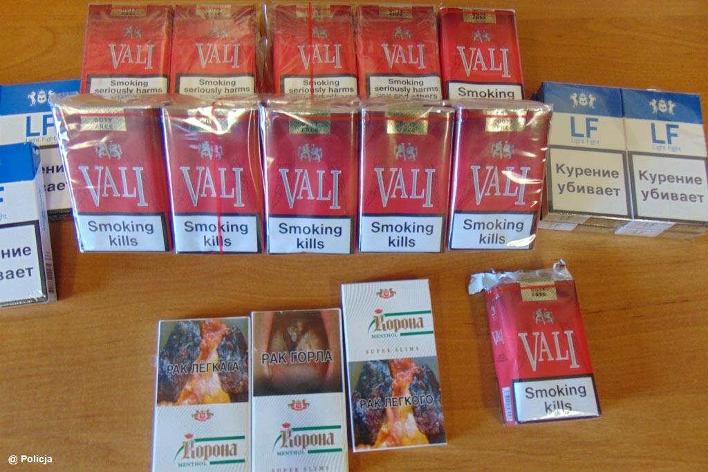 Oświęcimscy policjanci zatrzymali sklepikarkę, która odpowie za handel papierosami niewiadomego pochodzenia i bez polskich znaków akcyzy.