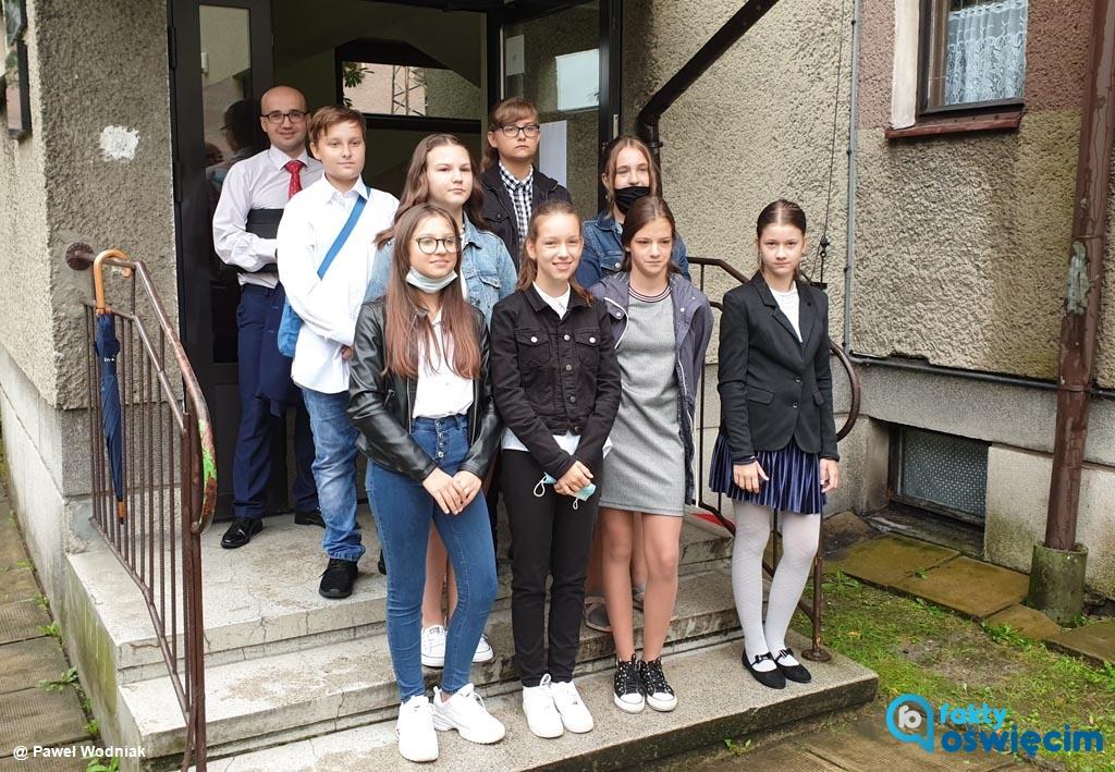 Rozpoczęcie roku szkolnego w Szkole Podstawowej w Zasolu nie przebiegało tak, jak w innych szkołach. Była kurator oświaty, pojawiła się nawet policja.
