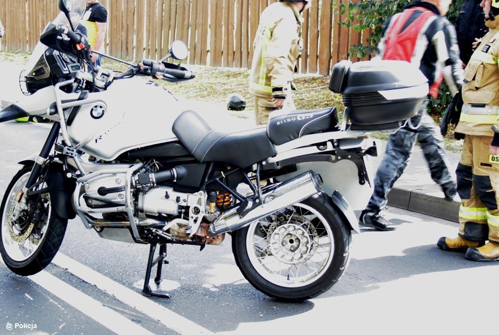 W Zatorze doszło do wypadku z udziałem motocyklisty. Mężczyzna przewrócił się na jezdnię. Nieprzytomny kierowca jednośladu trafił na leczenie do szpitala.