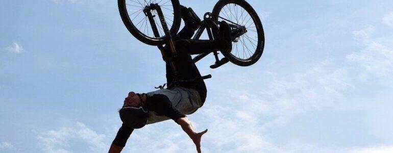 Wyruszył w miasto rowerem bez hamulców