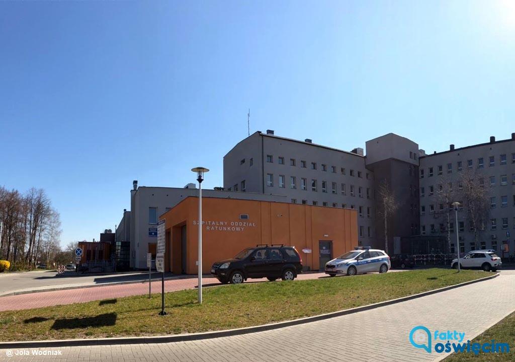 Wszystkie trzy oddziały wewnętrzne Szpitala Powiatowego w Oświęcimiu będą leczyć pacjentów COVID-19. Aktualnie hospitalizowani dokończą tam leczenie.
