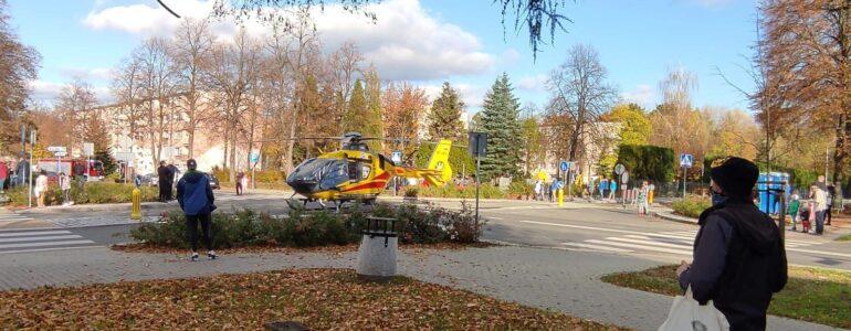 Kobietę do szpitala przewieźli strażacy – FOTO