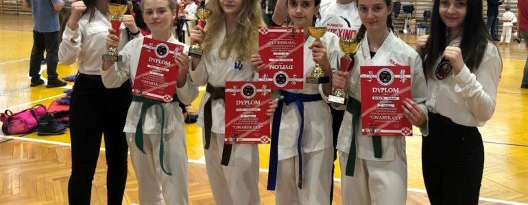 Cztery zawodniczki OKK z medalami