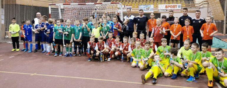Orlicy SP Brzeszcze zajęli pierwsze miejsce w Turnieju Mikołajkowym – FOTO