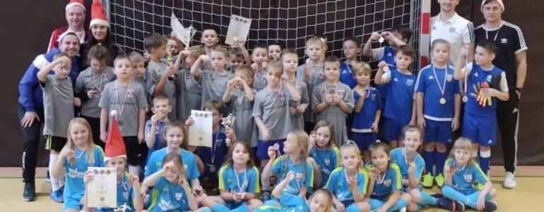 Żacy trzech klubów wzięły udział  w Turnieju Mikołajkowym