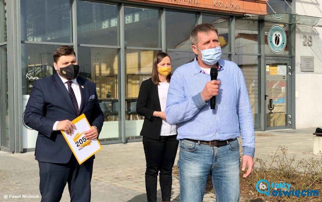 Dzisiaj w Oświęcimiu o działaniach stowarzyszenia Polska 2050 mówili przedstawiciele ruchu Szymona Hołowni z województwa, powiatu i miasta.