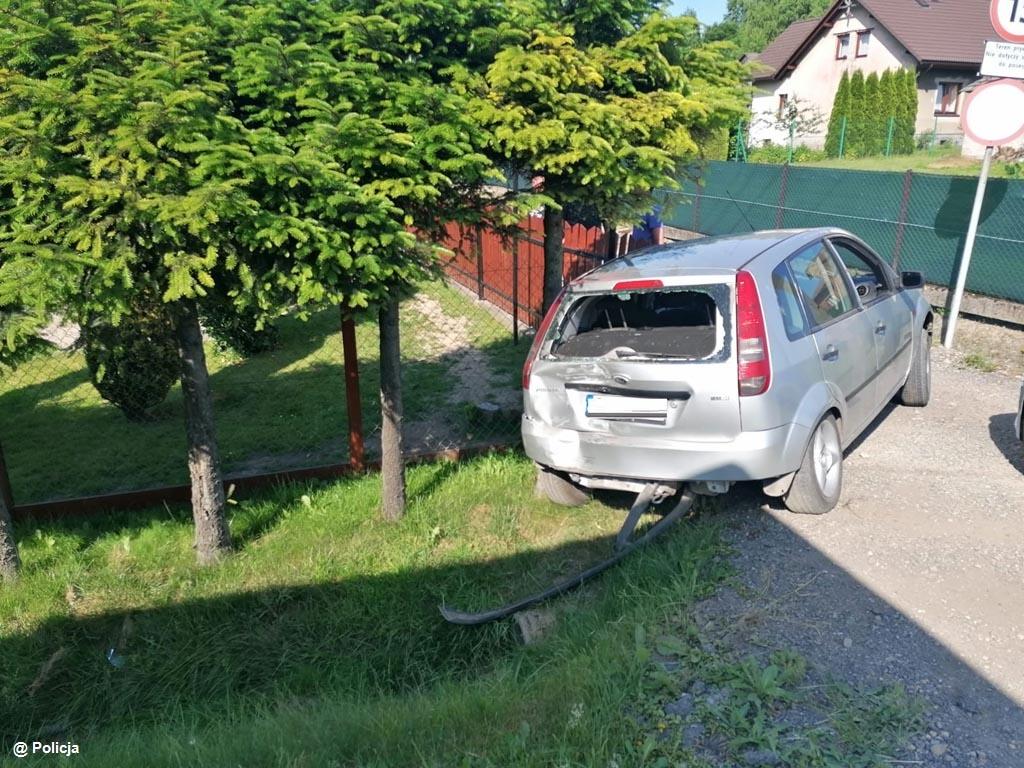 Do kilku zdarzeń drogowych doszło w upalny poniedziałek w powiecie oświęcimskim. Policjanci apelują o rozwagę na drogach.