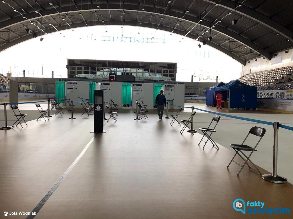 5 sierpnia zakończy swoją działalność Oświęcimski Punkt Szczepień, funkcjonujący w hali lodowej w Oświęcimiu od 5 maja.