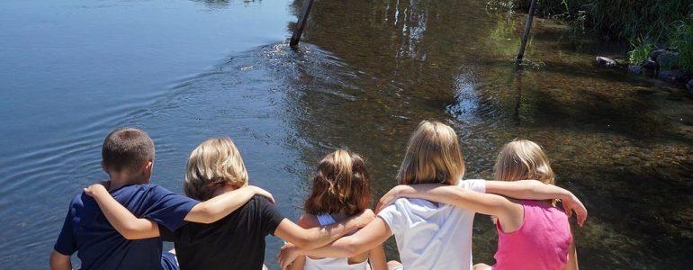 Jak bezpiecznie wypoczywać nad wodą, czyli #NajważniejszeWrócić – FILM