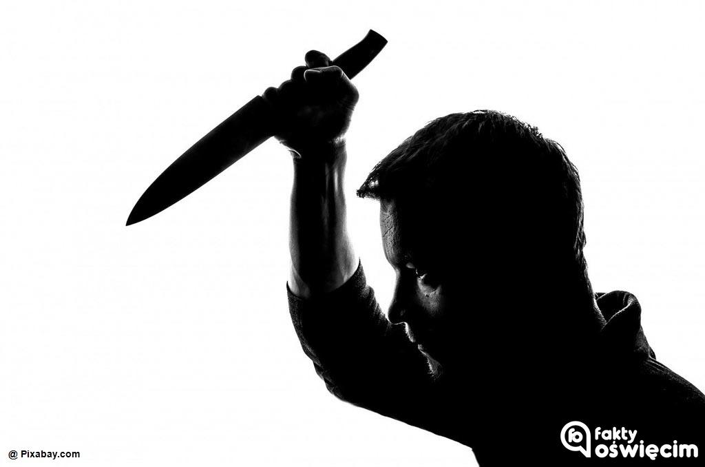 Dzisiaj w Oświęcimiu doszło do morderstwa. 41-letni mężczyzna z Bierunia ugodził swoją konkubinę nożem w szyję. Rana okazała się śmiertelna.