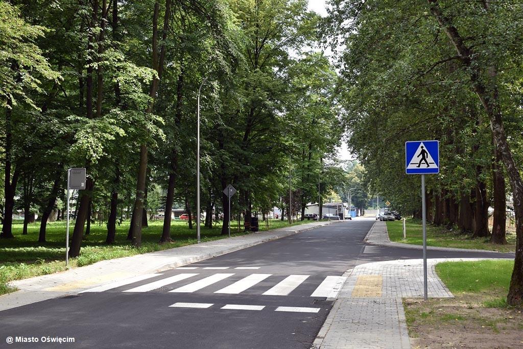 Miasto Oświęcim wyremontowało dwie kolejne ulic. Powiat zakończył drugi etap dużej inwestycji drogowej w gminie Przeciszów.