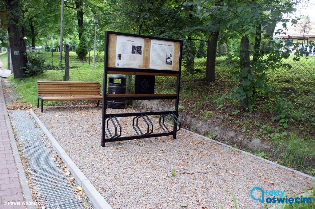 Na krzyżowaniu dwóch ścieżek rowerowych - miejskiej i międzynarodowej, prowadzącej z Wiednia do Krakowa - powstał przystanek dla rowerzystów.