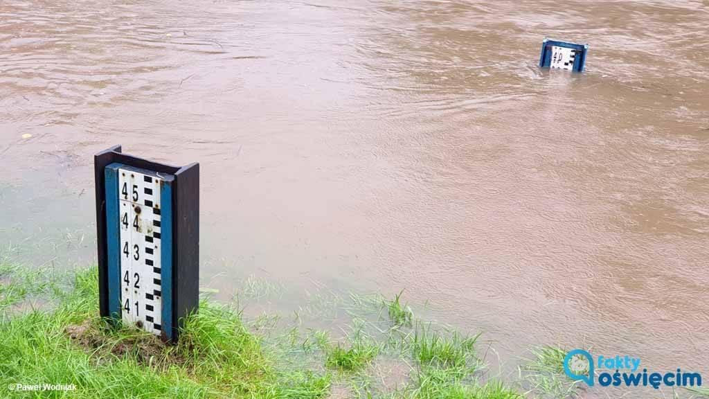 Dzisiaj po południu stan wody w Sole przekroczył stan ostrzegawczy i wynosił 3,8 metra. Prezydent miasta ogłosił pogotowie powodziowe.
