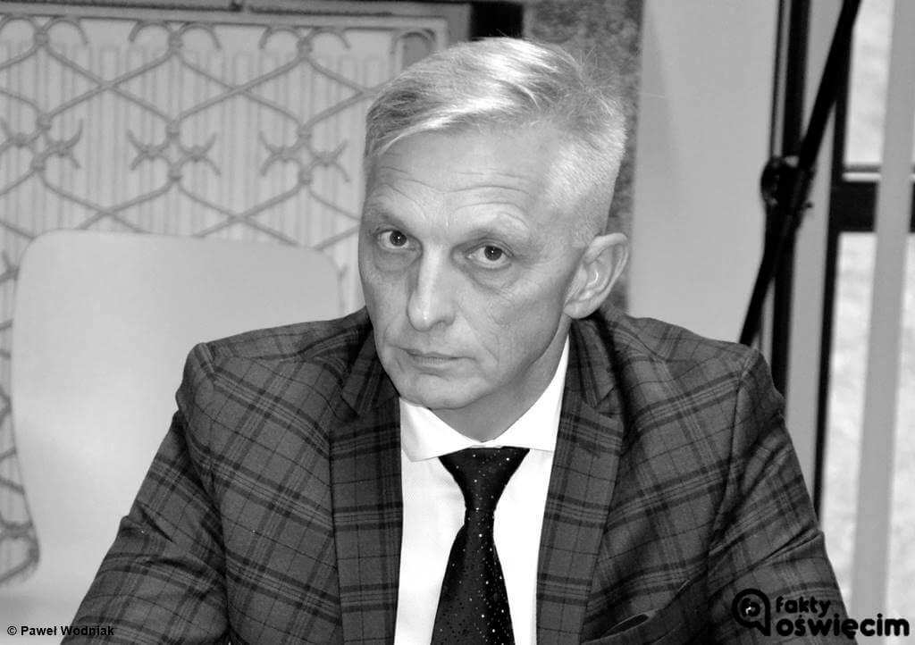 Wczoraj przed północą w swoim domu w Kętach zmarł Marcin Niedziela, starosta powiatu oświęcimskiego. 2 listopada skończyłby 57 lat.