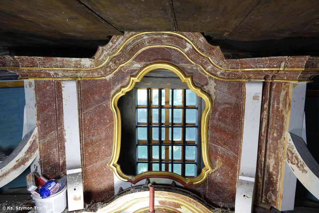 Konserwatorzy ołtarza kościoła św. Andrzeja Apostoła w Osieku dokonali niezwykłego odkrycia. Oryginalna kolorystyka zabytku stanowi prawdziwy ewenement.