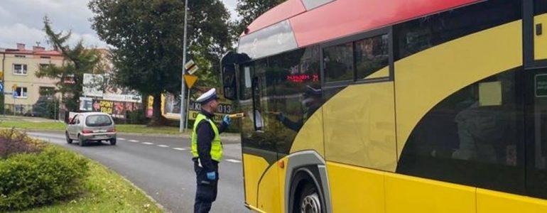 Pijany kierowca szkolnego autobusu wiózł 30 dzieci